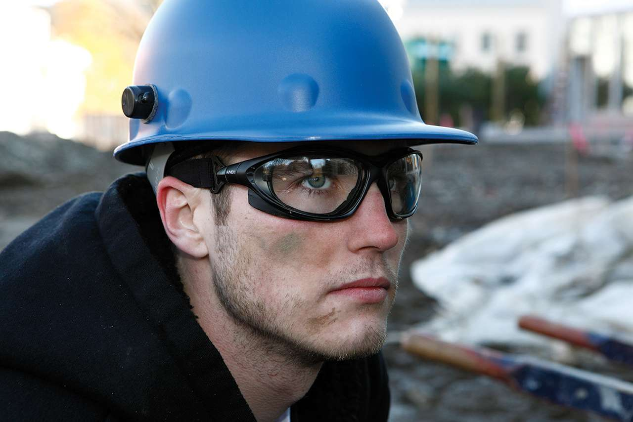 10 Things You Need to Know About Hard Hats Banner
